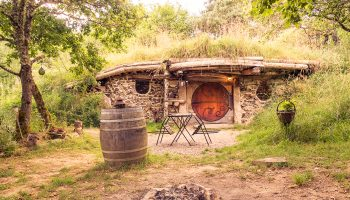 Bourgogne-hobbit-insolite