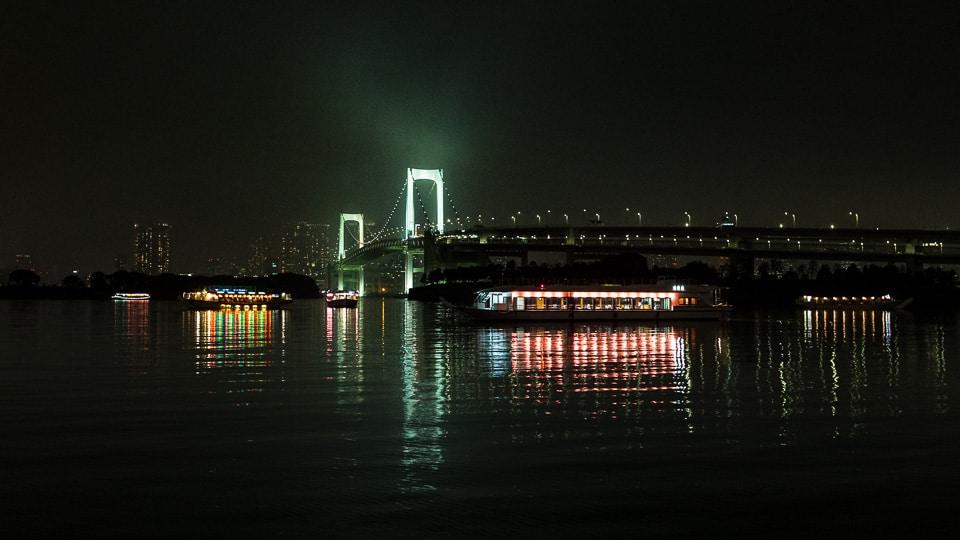 odaiba rainbow bridge tokyo by night