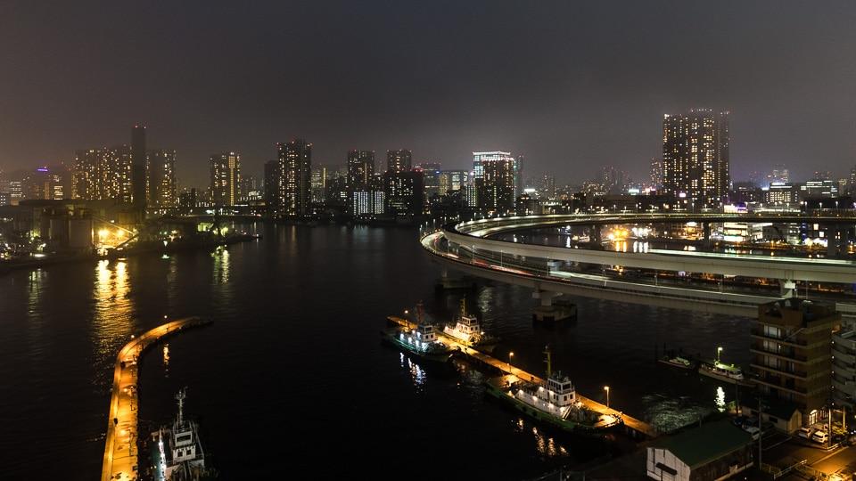 rainbow bridge tokyo by night
