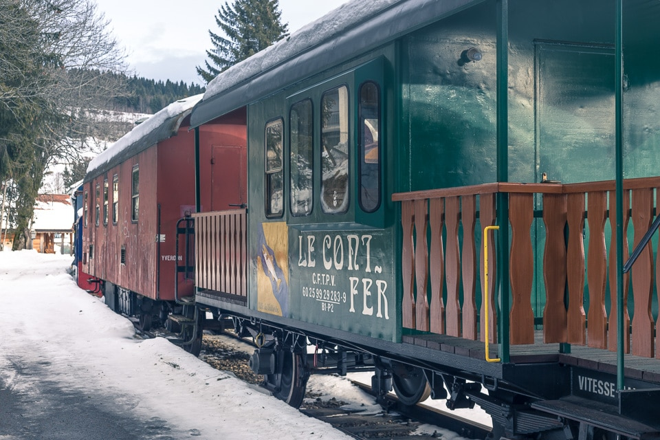 conifer train doubs