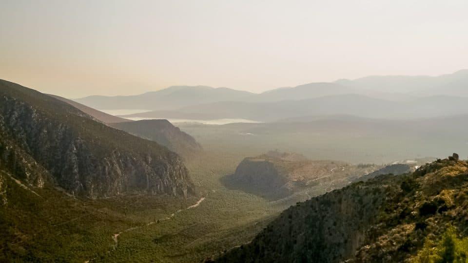 grece-lever-soleil-montagne