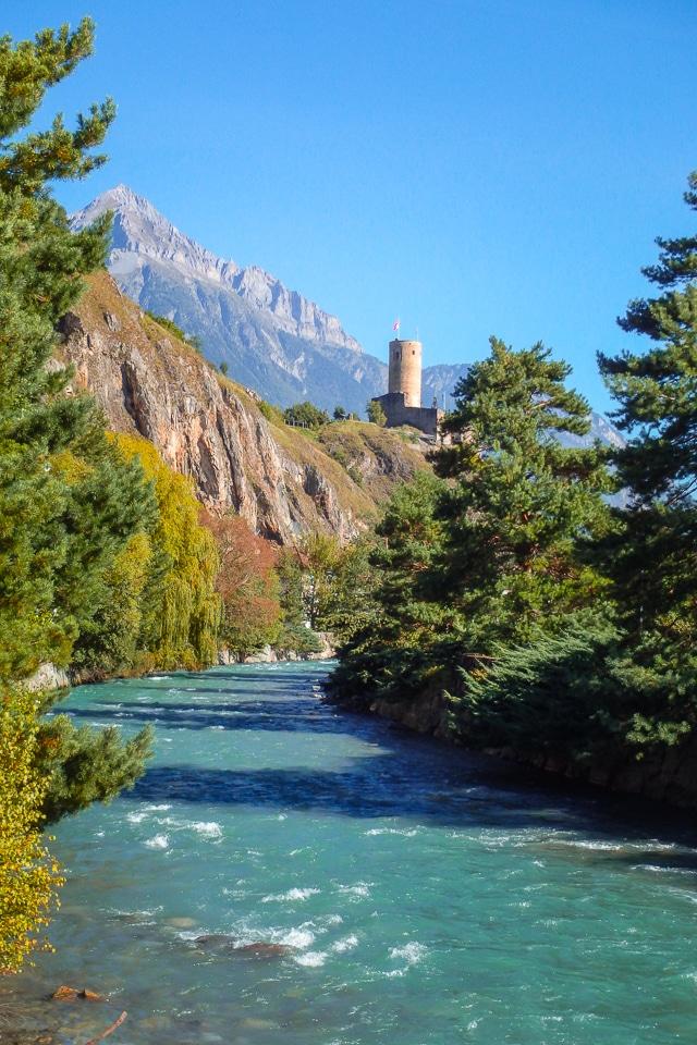 suisse-Martigny-chateau
