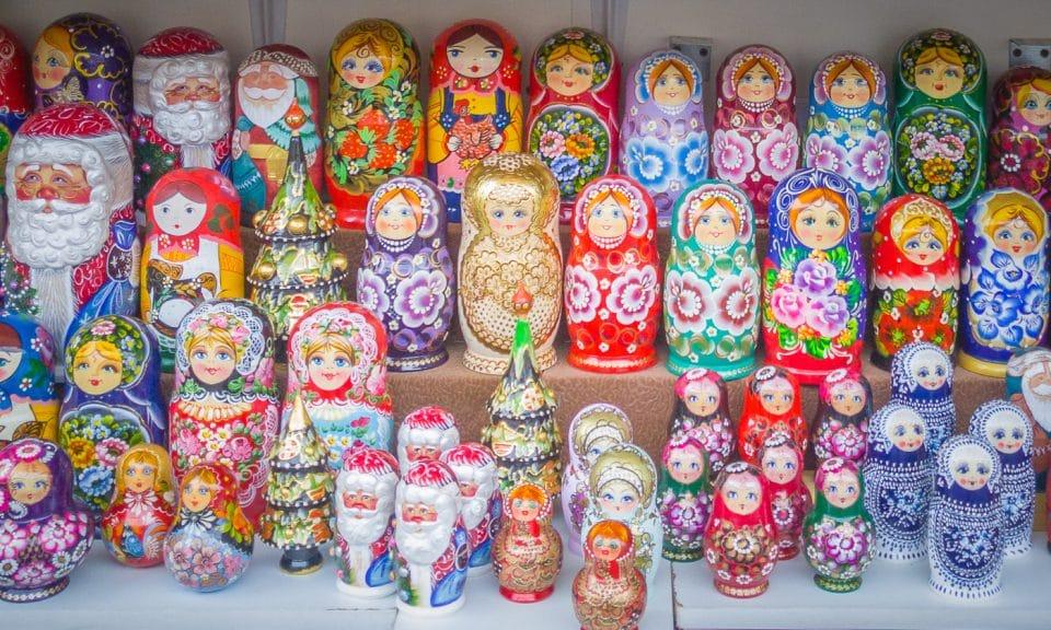 saint pétersbourg poupées russes