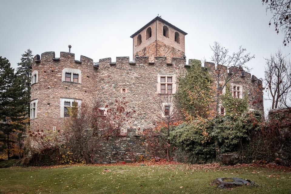 chateau introd