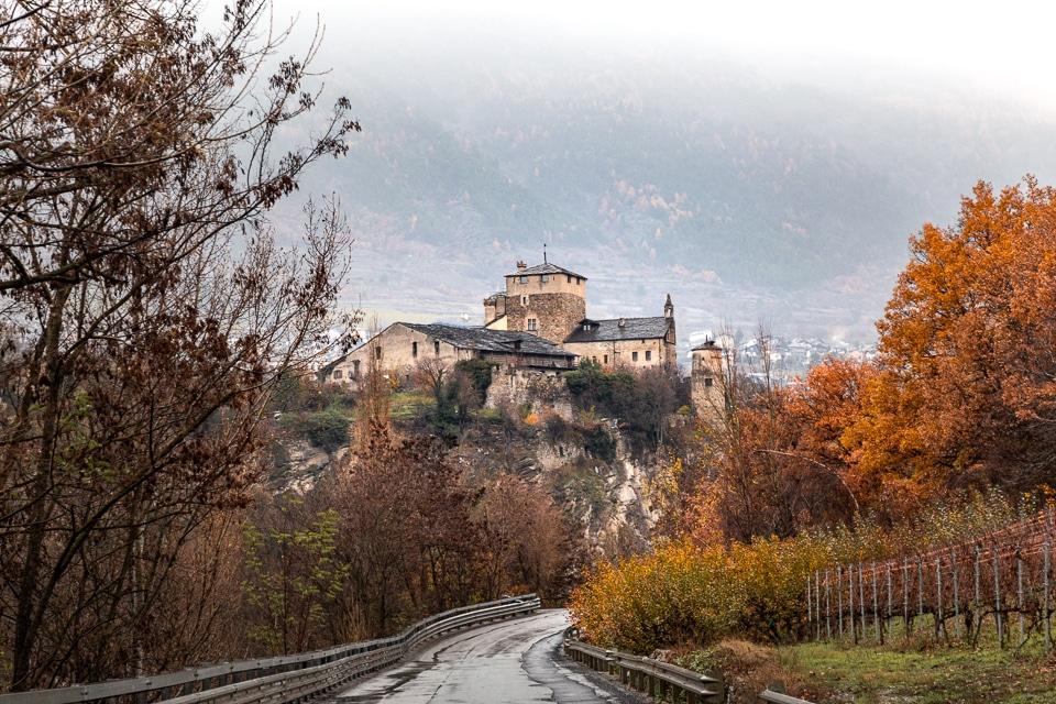 chateau sarriod de la tour