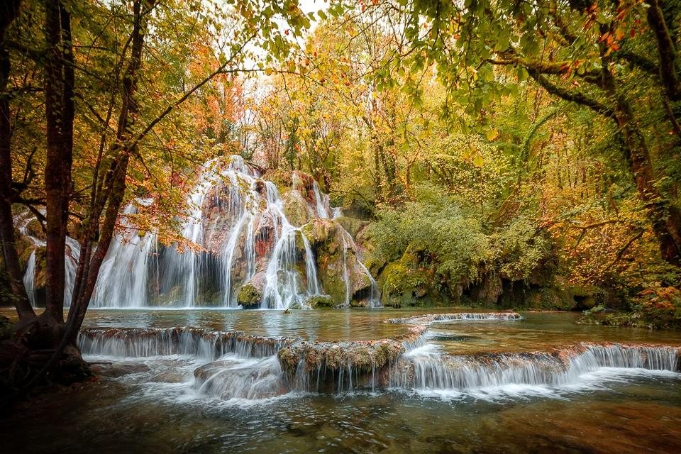 Jura-automne-cascade-arbois