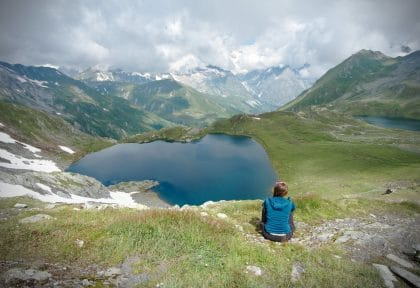 lac fenêtre suisse valais