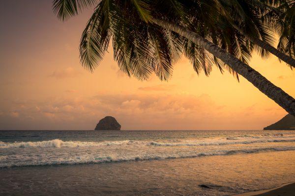 coucher de soleil sur la plage du diamant